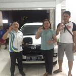 Foto Penyerahan Unit 3 Sales Marketing Daihatsu Manado Rivo