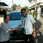 Foto Penyerahan Unit 5 Sales Marketing Mobil Dealer Daihatsu Tryastono