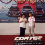 DO 2 Sales Marketing Mobil Dealer Wuling Darma