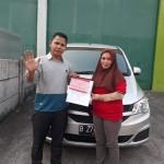 DO 8 Sales Marketing Mobil Dealer Wuling Taufik