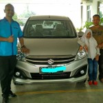 Foto Penyerahan Unit 3 Sales Marketing Mobil Suzuki Medan Harry