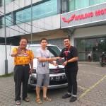 Foto Penyerahan Unit 6 Sales Marketing Mobil Farlan