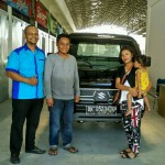 Foto Penyerahan Unit 8 Sales Marketing Mobil Suzuki Medan Harry