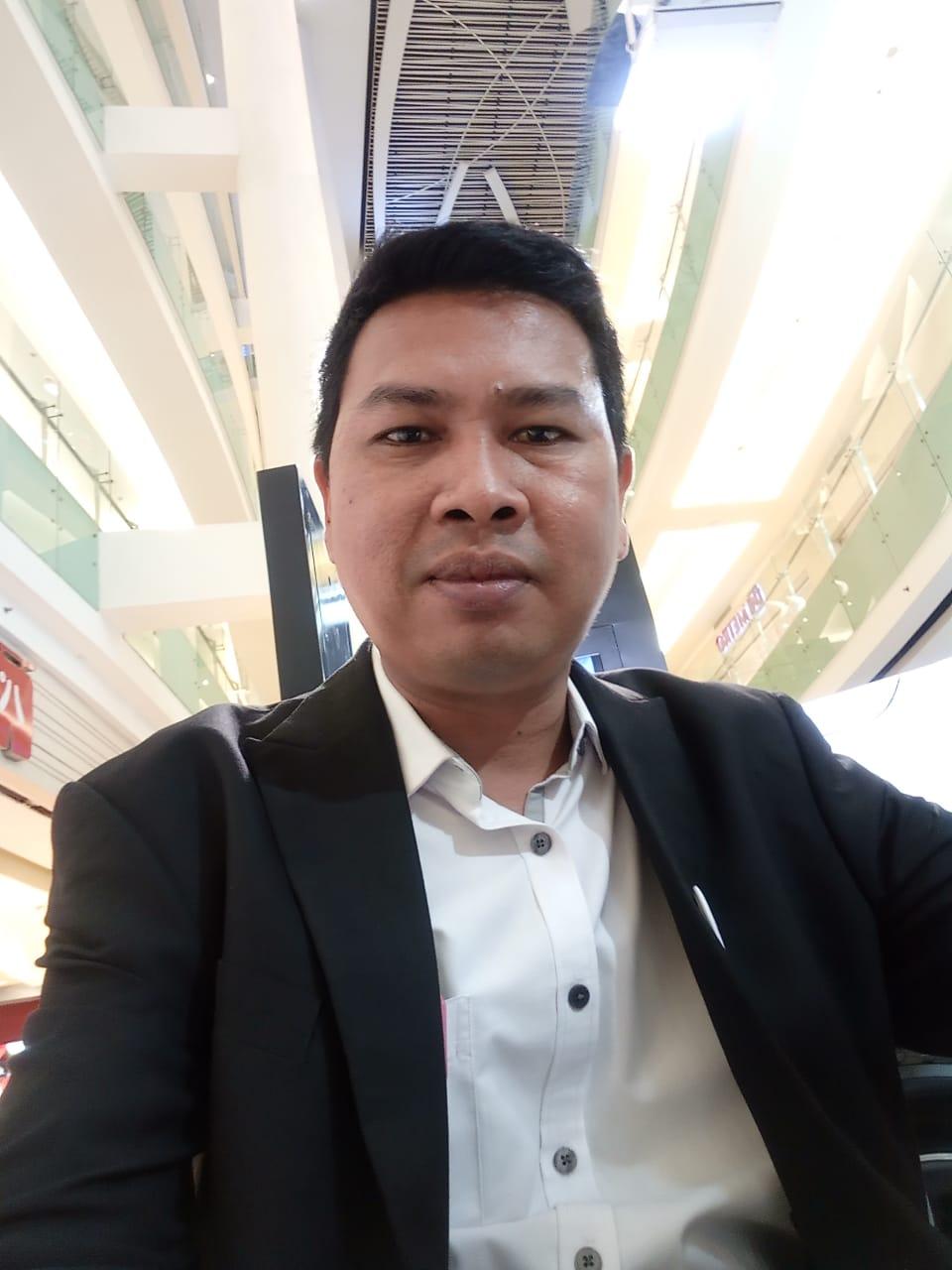 Sales Marketing Mobil Dealer Wuling Alexs