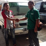 Foto Penyerahan Unit 4 Sales Marketing Mobil Dealer Suzuki Metra Jaya