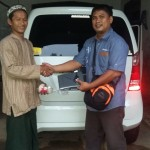 Foto Penyerahan Unit 7 Sales Marketing Mobil Dealer Suzuki Metra Jaya