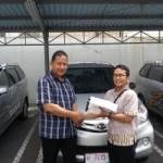 Foto Penyerahan Unit 5 Sales Marketing Mobil Dealer Daihatsu Semarang By Arif