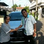 Foto Penyerahan Unit 5 Sales Marketing Mobil Dealer Daihatsu Tryastono