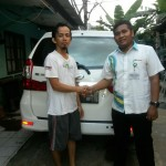 Foto Penyerahan Unit 6 Sales Marketing Mobil Dealer Daihatsu Tryastono