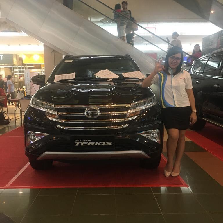 Sales Marketing Mobil Dealer Daihatsu Leidy