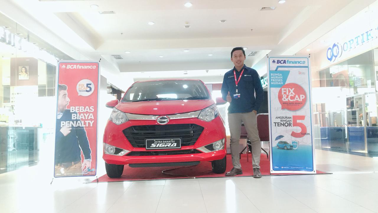 Sales Marketing Mobil Dealer Daihatsu Hari