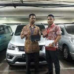 DO 7 Sales Marketing Mobil Dealer Wuling Taufik