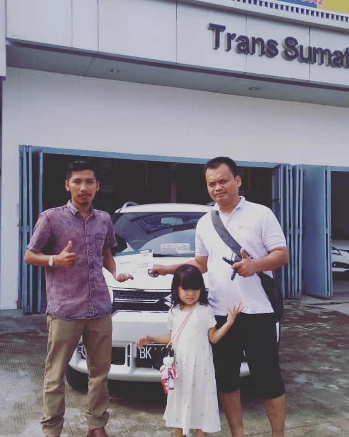 Sales Marketing Mobil Dealer Suzuki Hardy