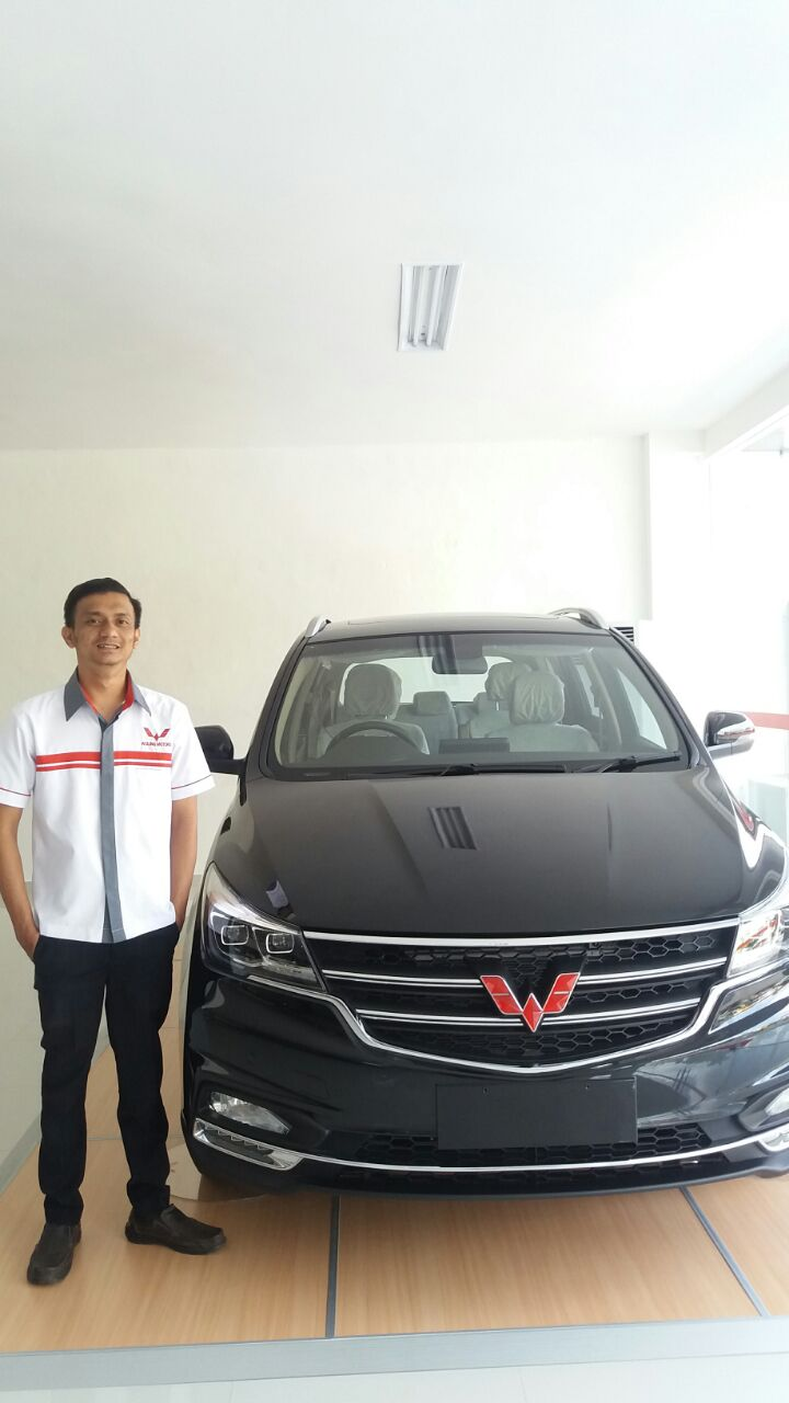 Sales Marketing Mobil Dealer Wuling Adytias