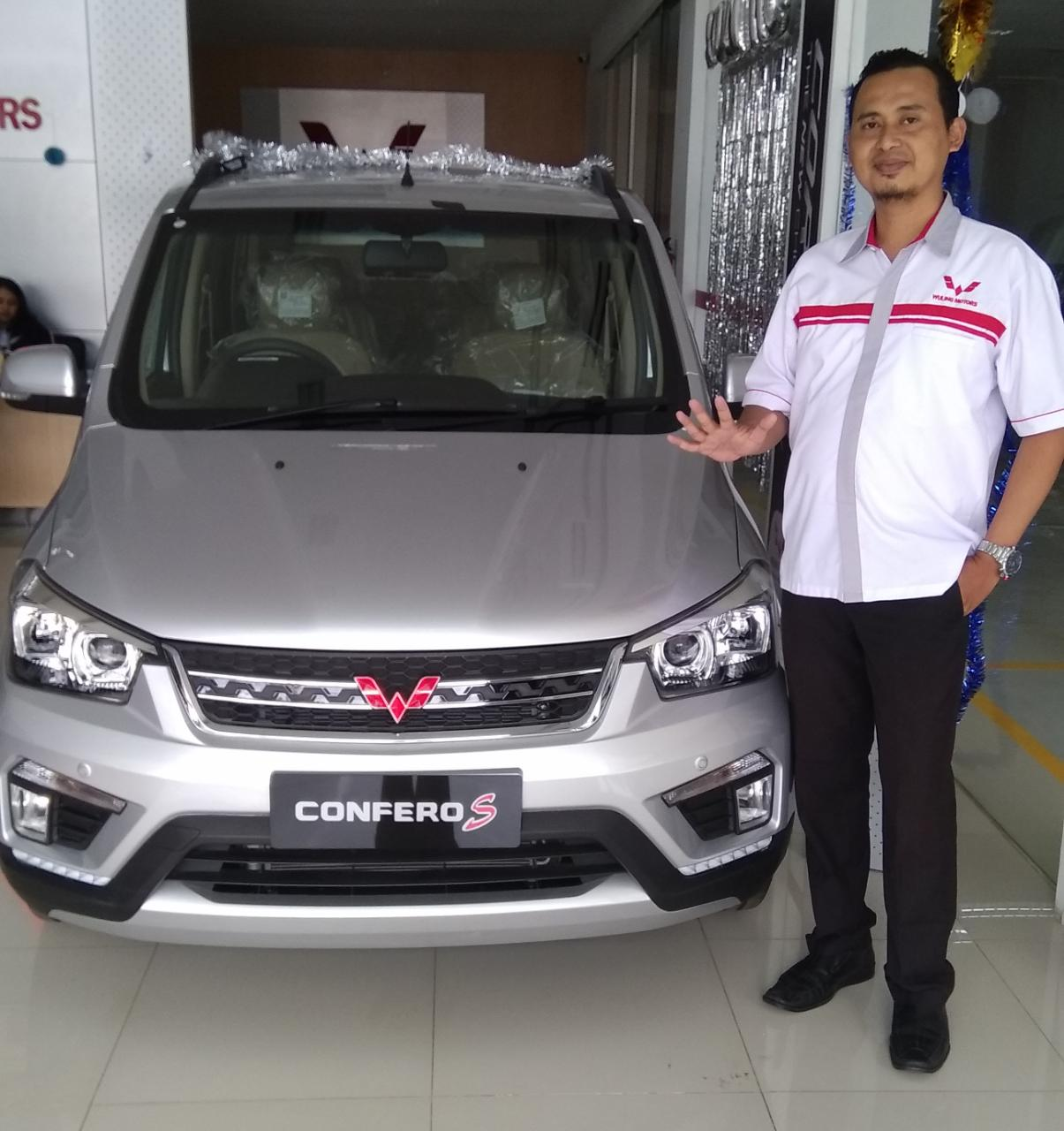 Sales Marketing Mobil Dealer Wuling Andi
