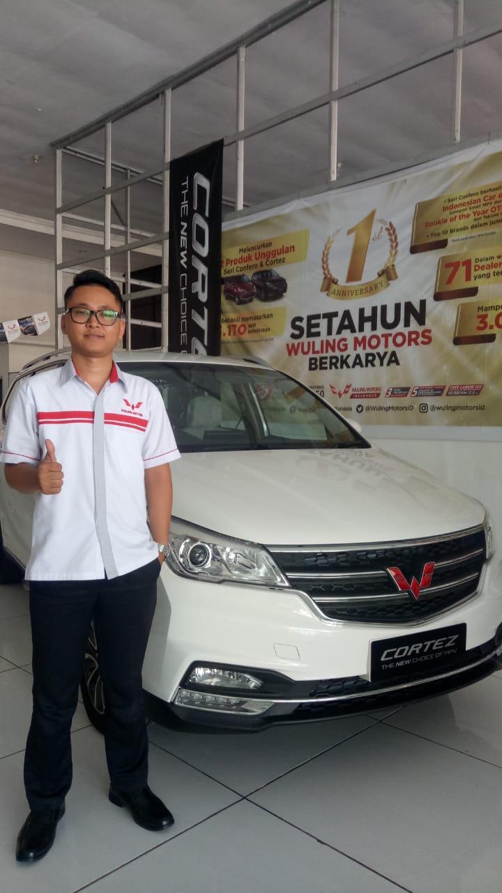 Sales Marketing Mobil Dealer Wuling Bastian