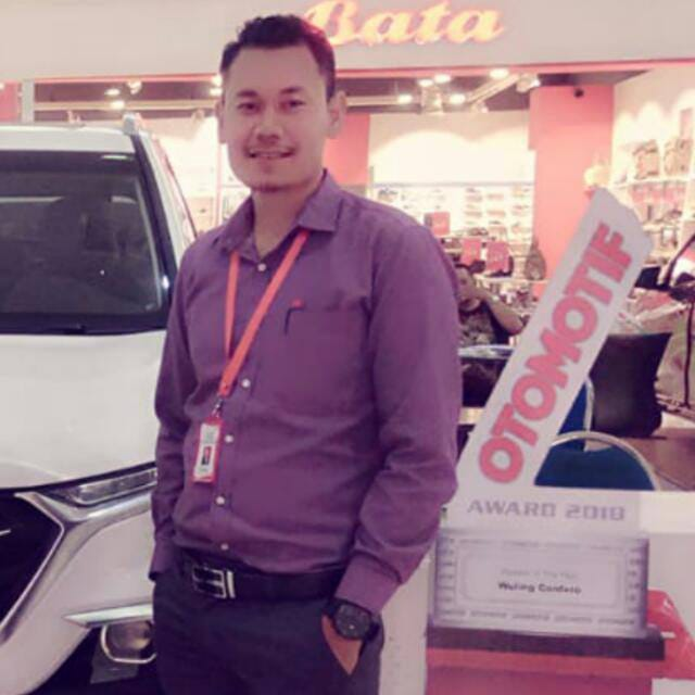 Sales Marketing Mobil Dealer Wuling Darma