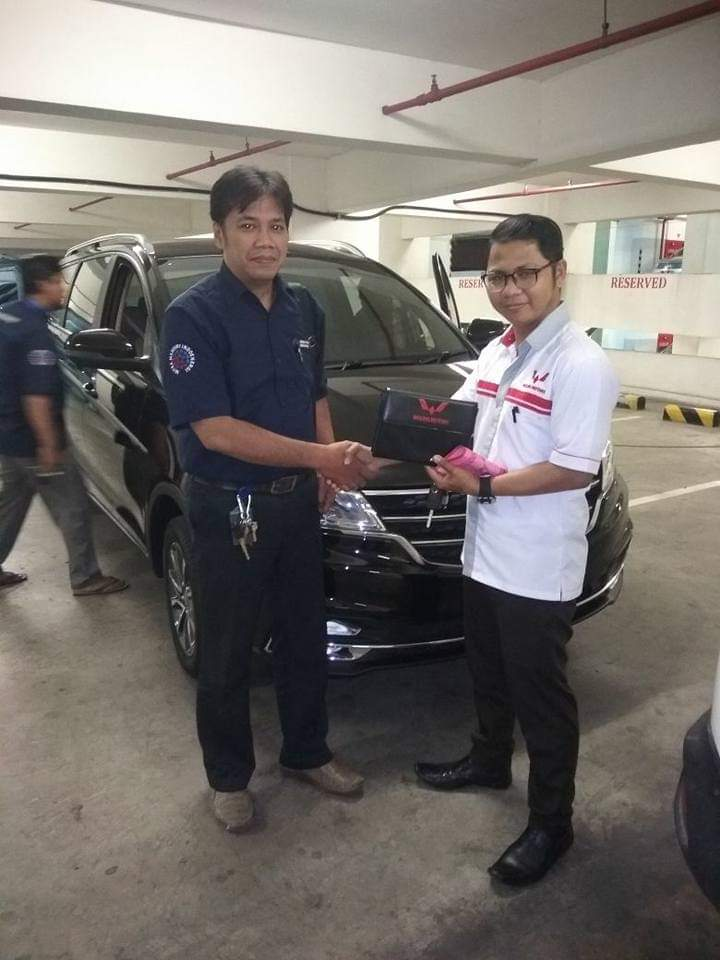 Sales Marketing Mobil Dealer Wuling Taufik