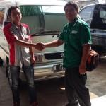 Foto Penyerahan Unit 4 Sales Marketing Mobil Dealer Suzuki Metra Jaya