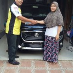 Foto Penyerahan Unit 6 Sales Marketing Mobil Dealer Suzuki Metra Jaya