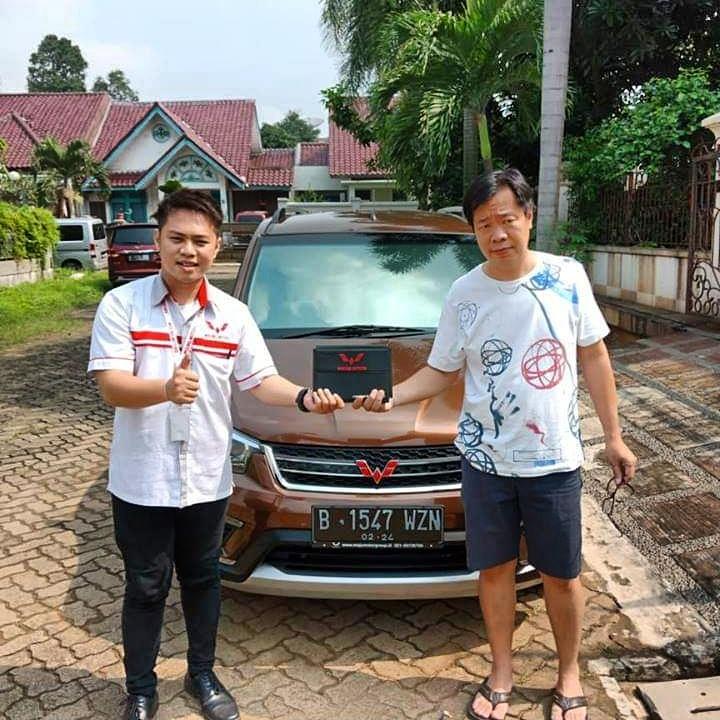 Sales Marketing Mobil Dealer Wuling Hermanto